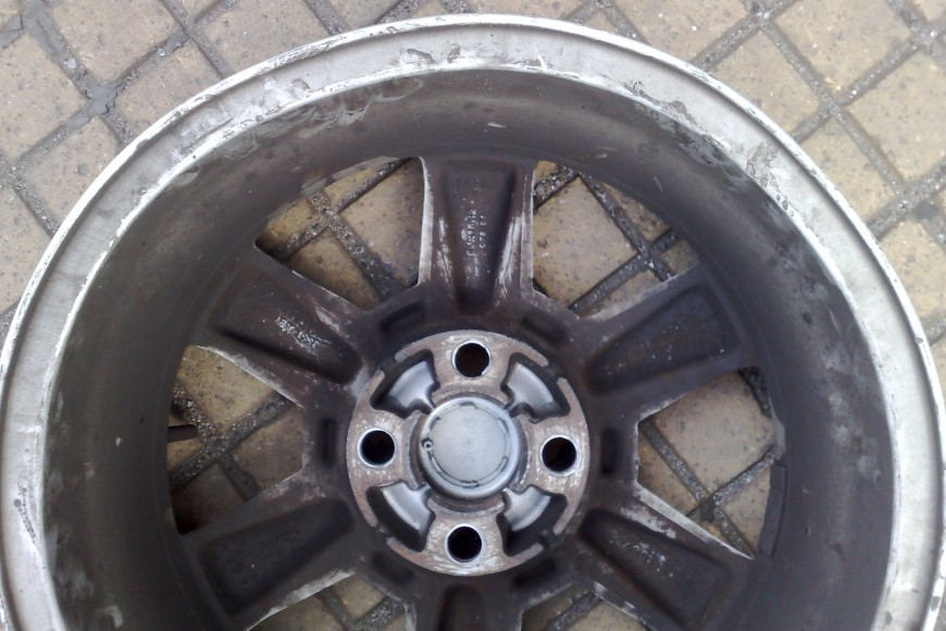 Mercedes Bent and Buckled Alloy Wheel Repair
