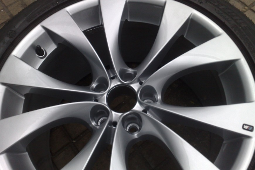 BMW X5 4×4. Full Alloy Wheel Refurbishment- Powder Coated