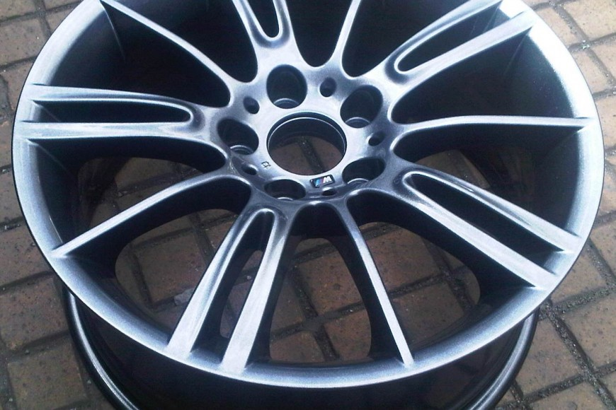 BMW 330 MV3 Alloy Wheel Refurbishment & Straightening